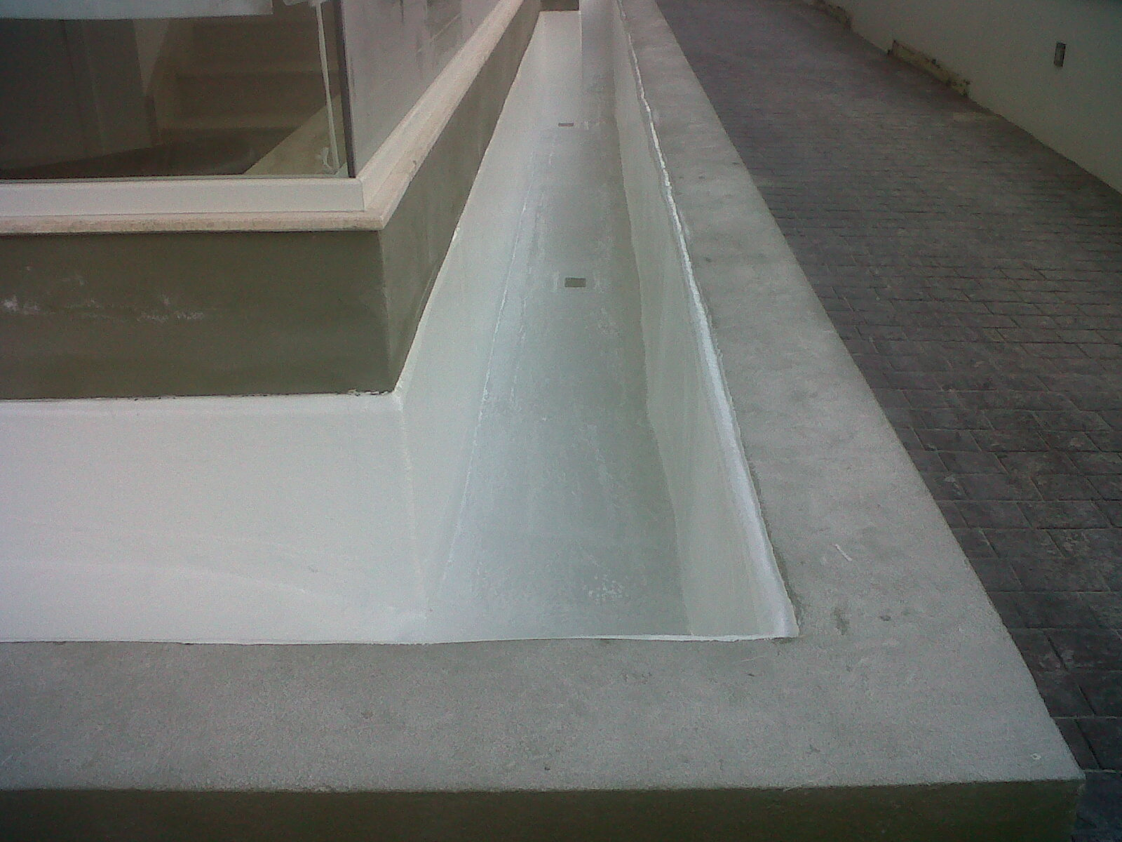 Wall and Floor Coating with Fiberglass